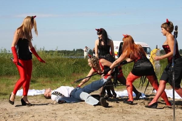 В итоге, победителями спортивного мероприятия а ну-ка, девушки стала команда динамит, которую представляла группа
