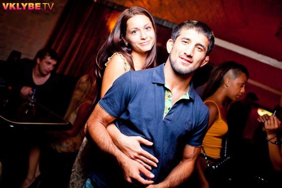 расул мирзаев с женой фото