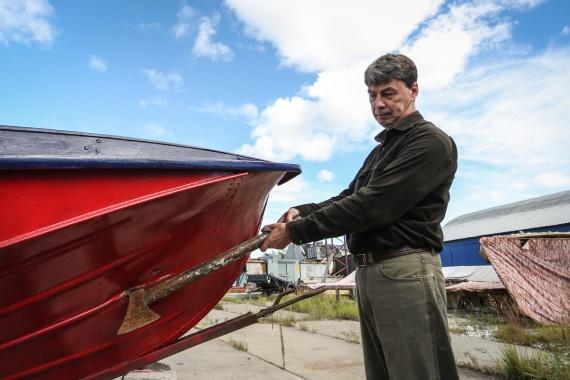 как осмолить лодку