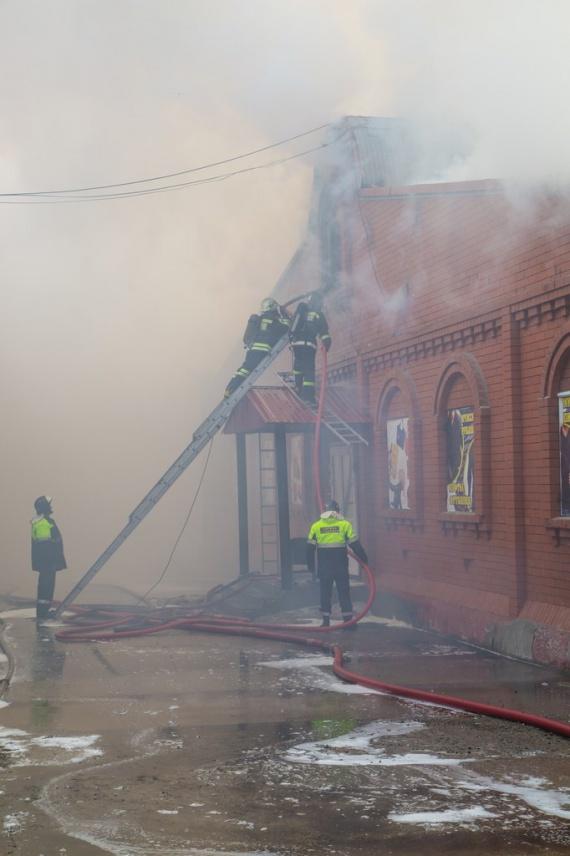 Пожар на вещевом рынке в лангепасе