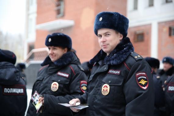 ВАвтограде полицейские сменили летнюю форму назимнюю
