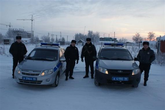 Сургутские полицейские вынесли изогня девочку