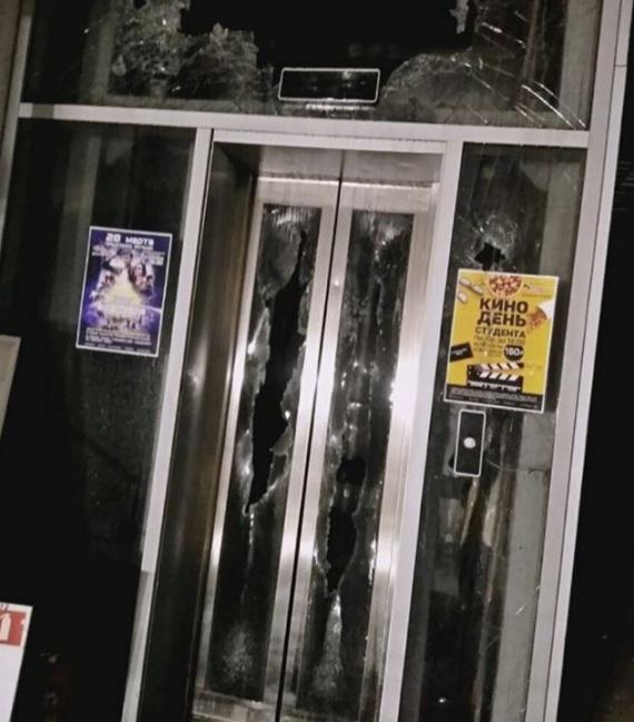 Редакция СИА-ПРЕСС: Кемеровский торговый центр «Зимняя вишня» после пожара // ФОТО