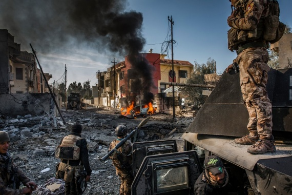 Константин Шперлинг: Статья дня. Горящие люди, мусорные горы, война. Названы победители World Press Photo 2018. // ФОТО, 18+