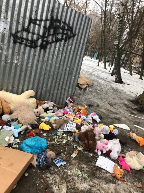 Лилия Сулейманова: Куда убирают предметы, принесенные на акции памяти? // СИА-ПРЕСС ОТВЕЧАЕТ