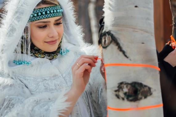 В Старом Сургуте прошел национальный праздник коренных народов Севера «Вороний день»// ФОТО