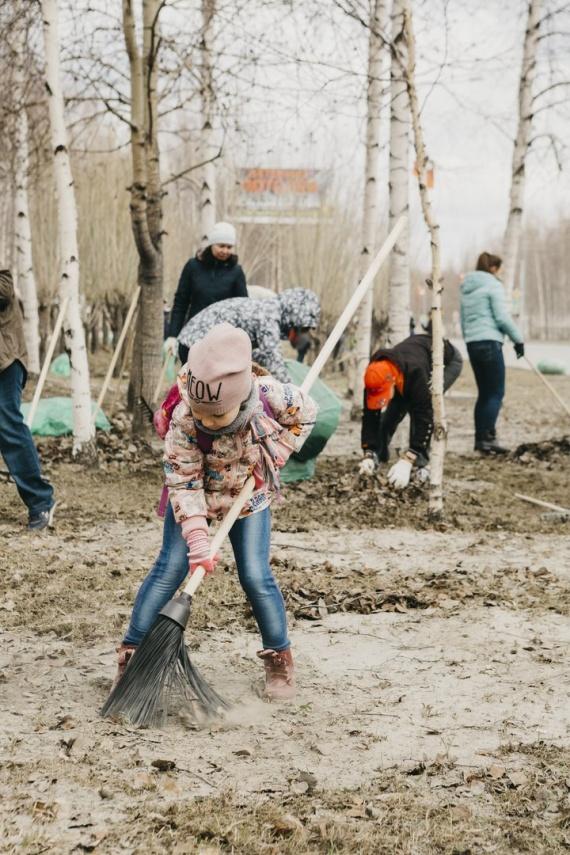 Лилия Сулейманова: В Сургуте прошел общегородской субботник // ФОТО