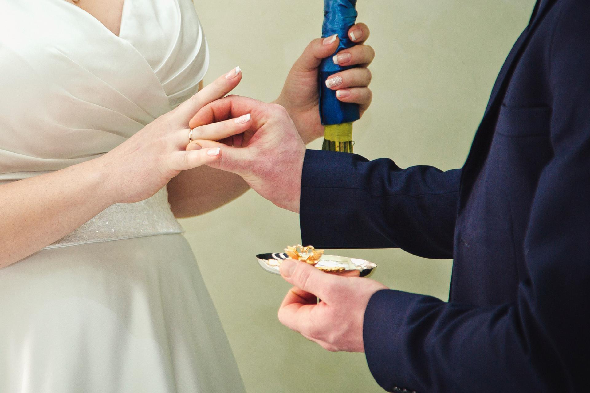 сколько разводов в загсах