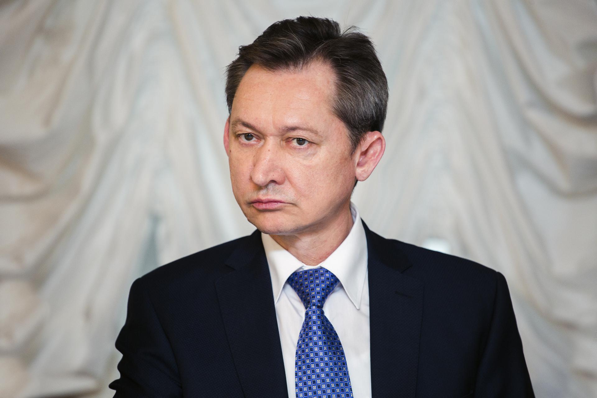 Руководитель Сургута принял решение уйти преждевременно