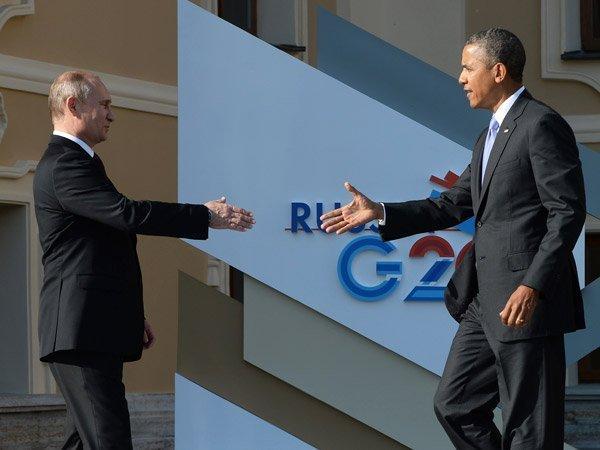 Кто кому нужнее: Обама лично попросил В. Путина овстрече