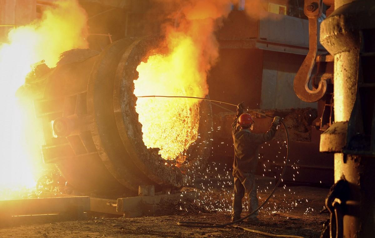 Промпроизводство в РФ упало замесяц практически на24%