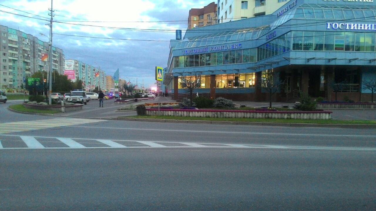 Эвакуацию вторговых центрах Сургута связали санонимным звонком о«минировании»