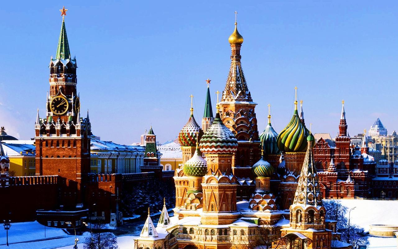 Доля уверенных вособой роли русского народа граждан России превысила 60%