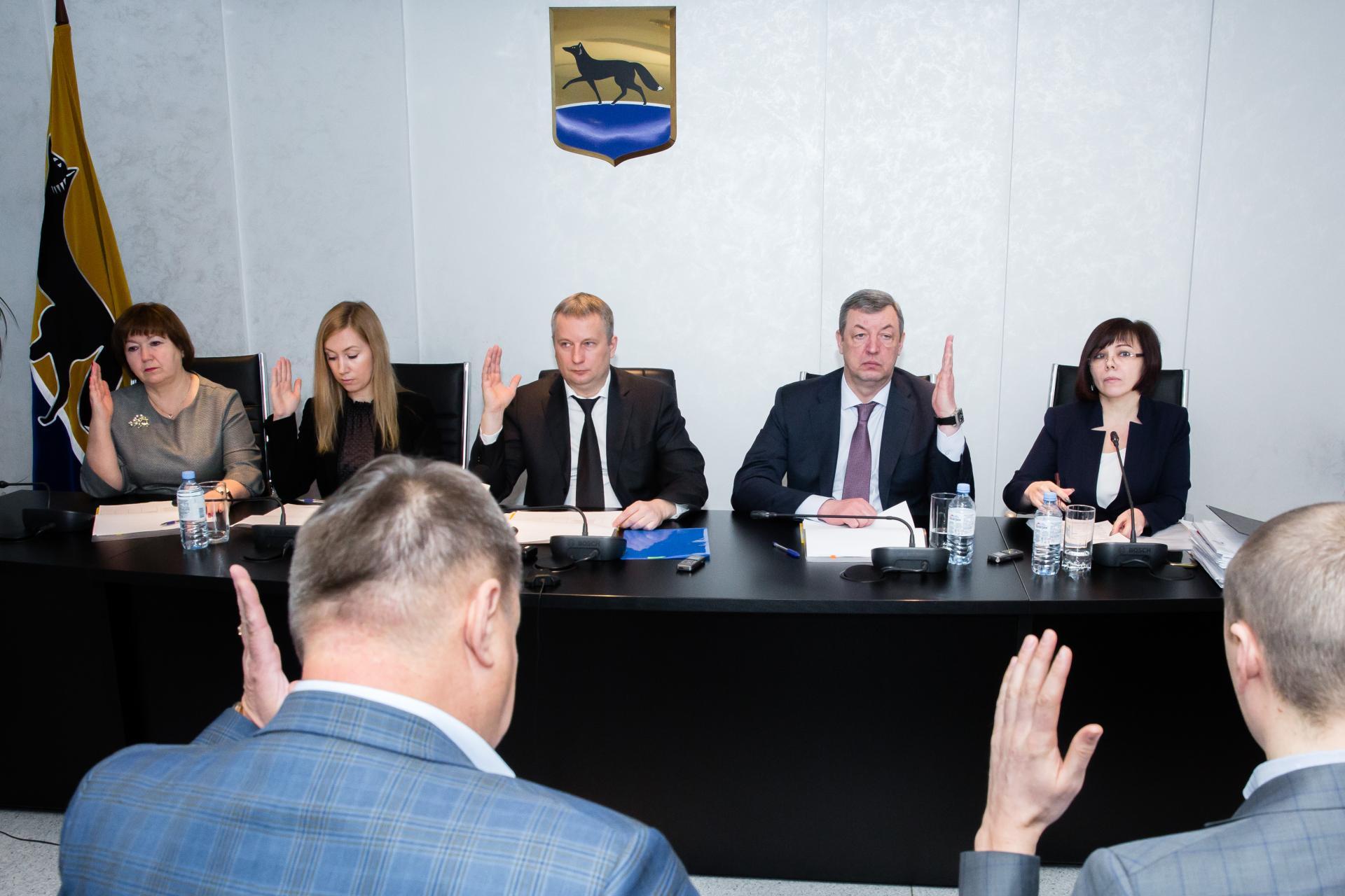 В Сургуте выбирают главу управления спорта